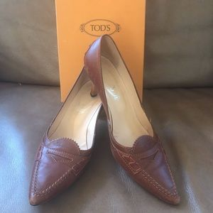 ****only $10**** Tod's Pumps leather. Size 7.5